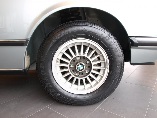 BMW-633-CSi-9