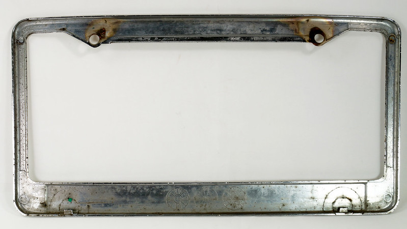 RD30484 Vintage Bellingham Import Motors i m License Plate Frame Steel DSC08218