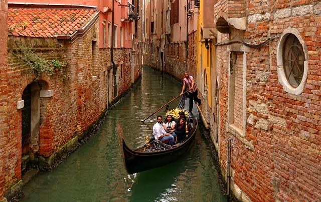 Venezia / Ponte dei Zogatoli / rio San Giovanni Crisostomo