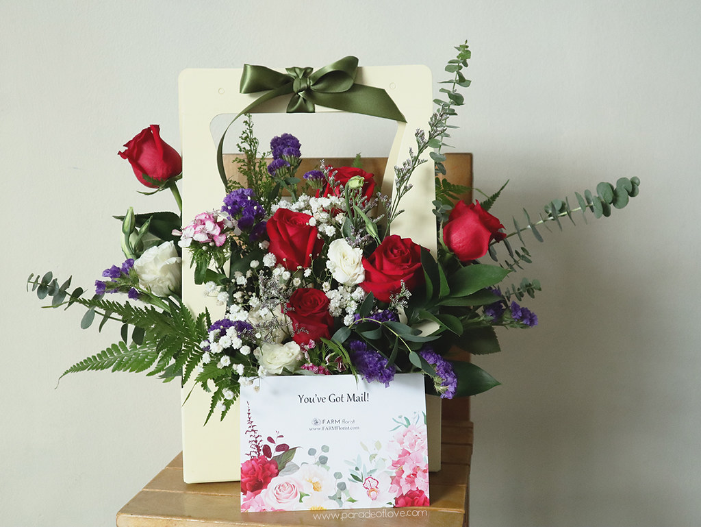 Farm-Florist-Surprise-Bloom-Box_02