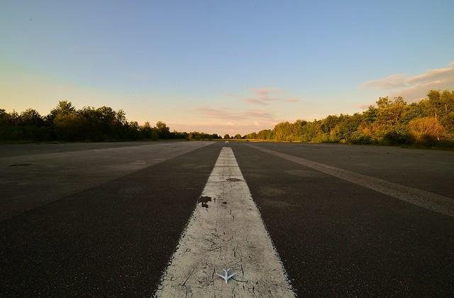 Munich - The Lone Airplane