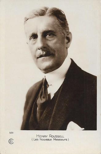 Henry Roussel in Les nouveaux messieurs (1928)