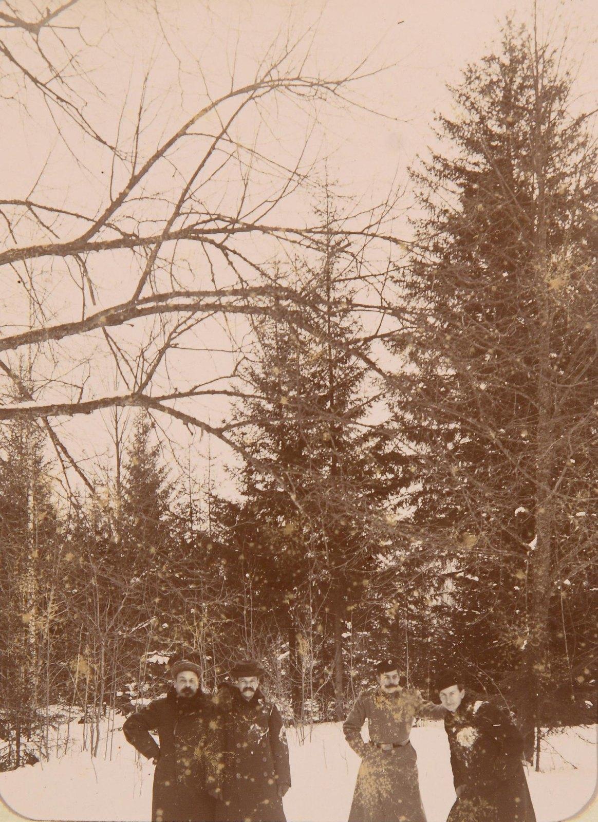 Групповой снмок в парке