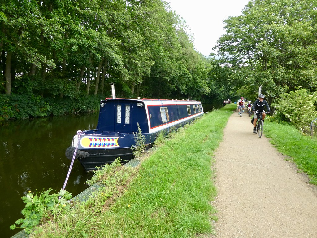Cyclists on the Leeds Liverpool canal towpath