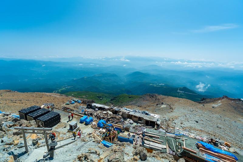 御嶽山から王滝頂上