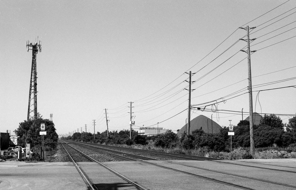 No Trains Along the Metrolinx Corridor