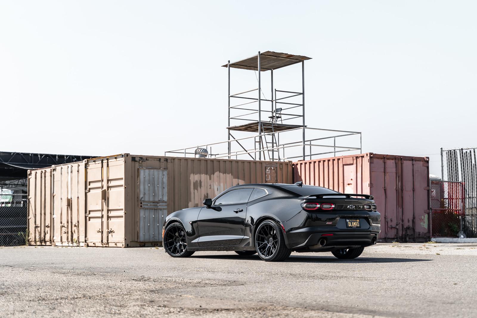 2020_Chevrolet_Camaro_SS_BDF18_Gloss_Black_3