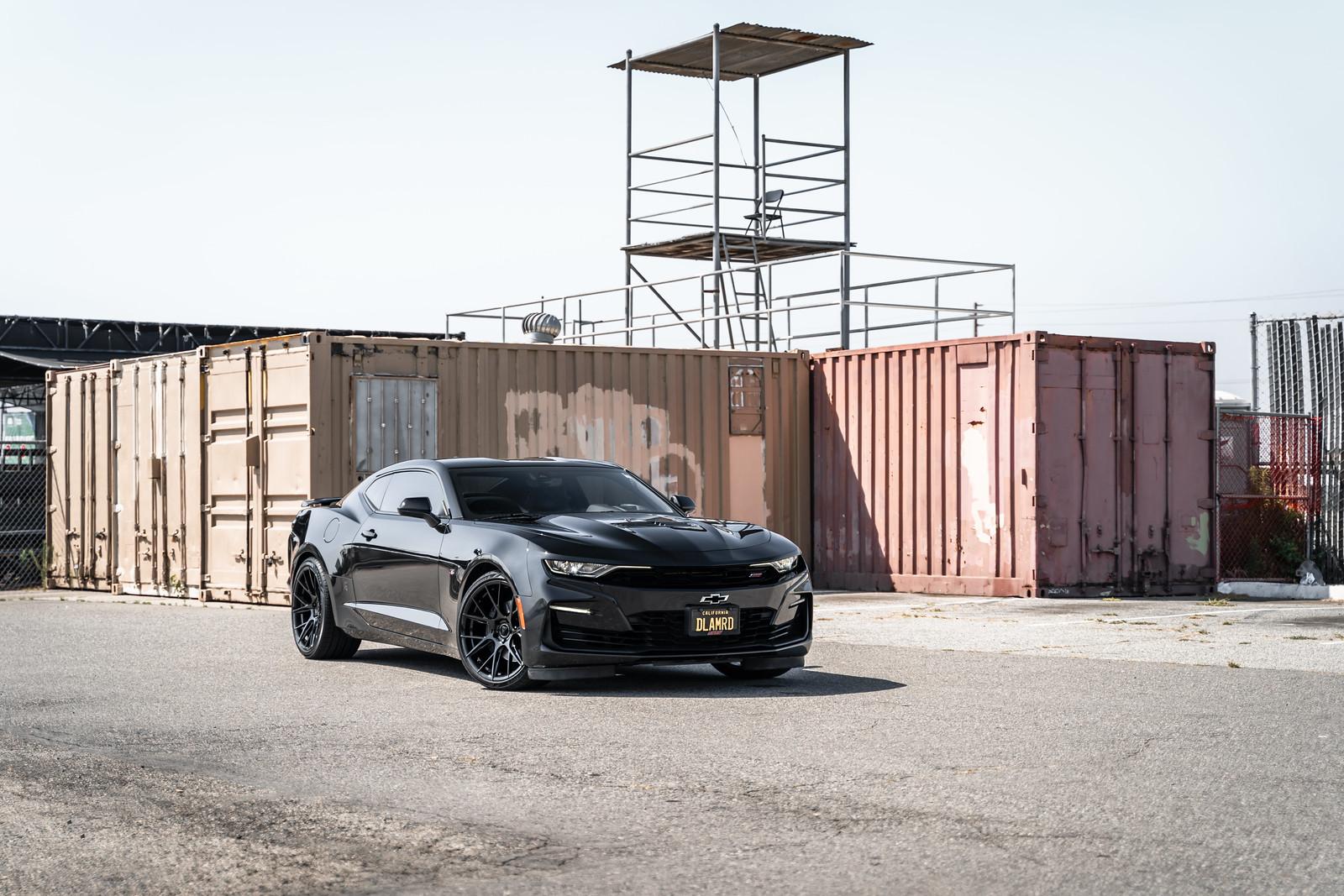 2020_Chevrolet_Camaro_SS_BDF18_Gloss_Black_1