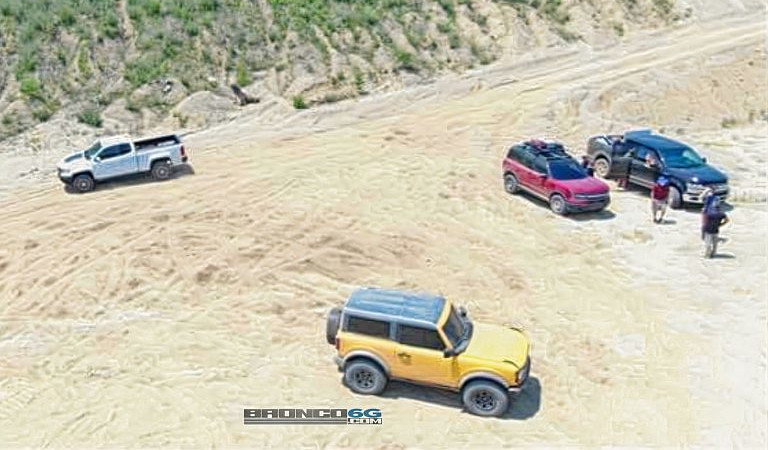 2021-Ford-Bronco-and-Bronco-Sport-spied-uncovered-768x511