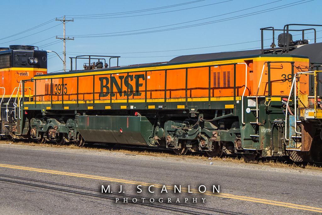 BNSF 3975 | GE Yard Slug | President's Island