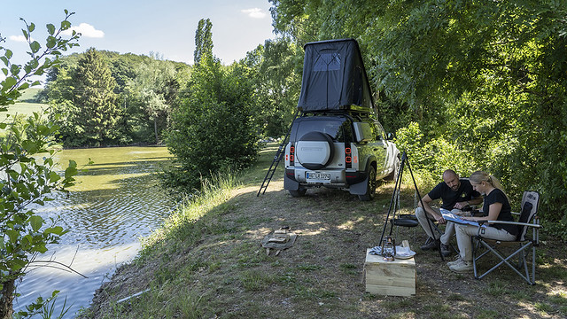 LAND-ROVER-AND-AUTOHOME-CREATE-RUGGED-ROOF-TENT-FOR-NEW-DEFENDER-9
