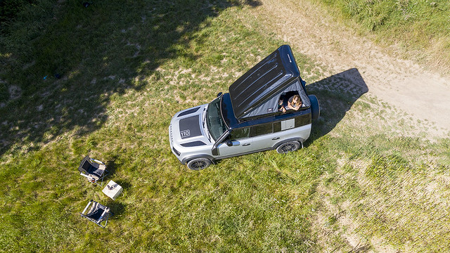 LAND-ROVER-AND-AUTOHOME-CREATE-RUGGED-ROOF-TENT-FOR-NEW-DEFENDER-12