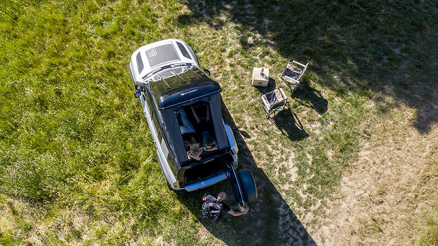 LAND-ROVER-AND-AUTOHOME-CREATE-RUGGED-ROOF-TENT-FOR-NEW-DEFENDER-2