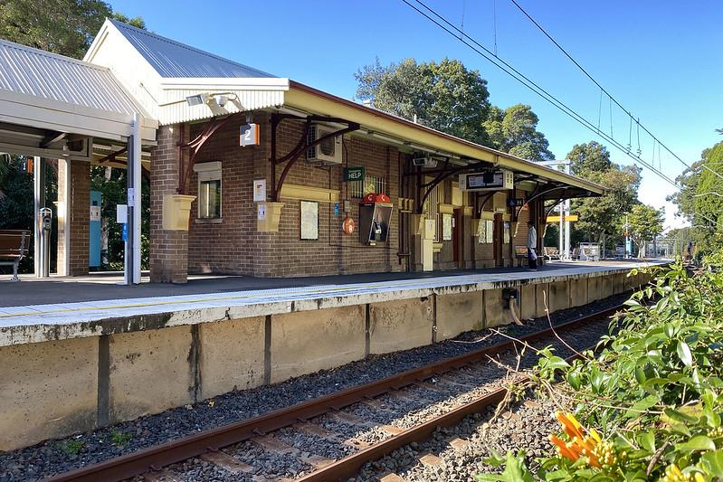 Artarmon station