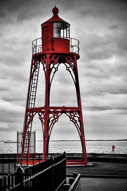 Lighthouse in red....