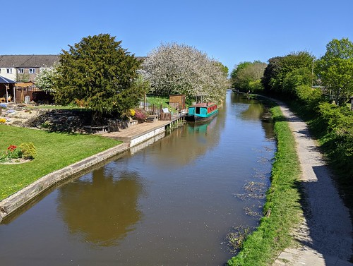 Lancaster Canal at Preston | by Tony Worrall