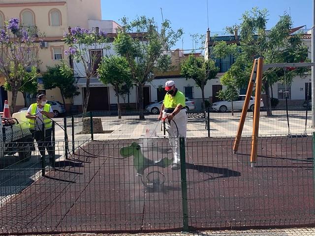 Desinfección parques infantiles e instalaciones deportivas Los Palacios y Vfca