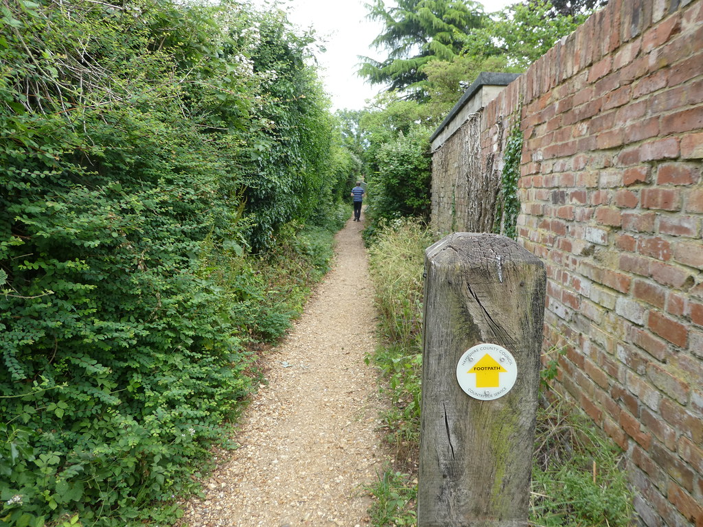 Pathways in the village of Odiham