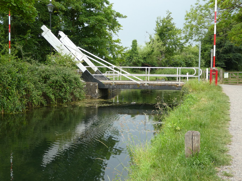 Mill Lane Bridge, Basingstoke Canal