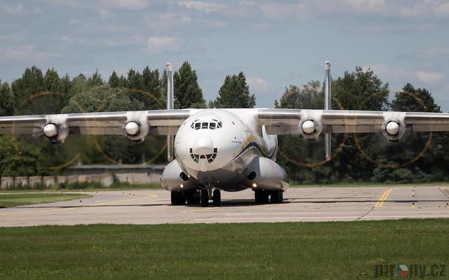 Antonov AN-22A UR-09307