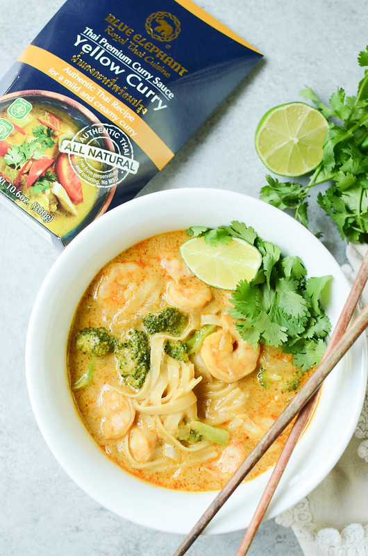 Shrimp Curry Noodle Soup - easy 15 minute Thai yellow curry soup with shrimp, rice noodles, and broccoli.