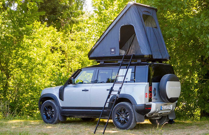 land-rover-defender-110-rooftop-tent-by-autohome