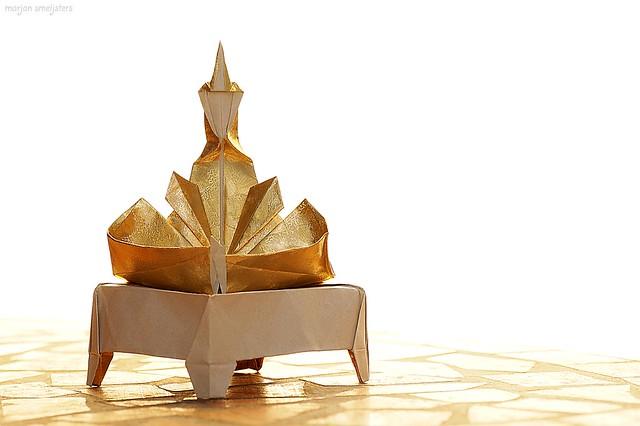 Origami 'Seated Buddha' (Fred Rohm)