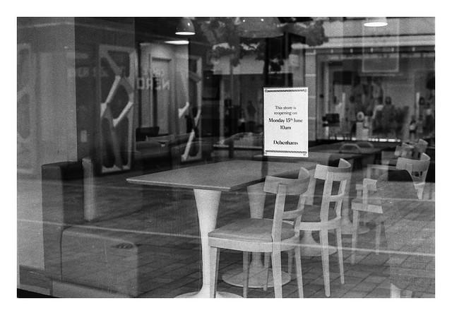 Pandemic scenes - Non-essential retail