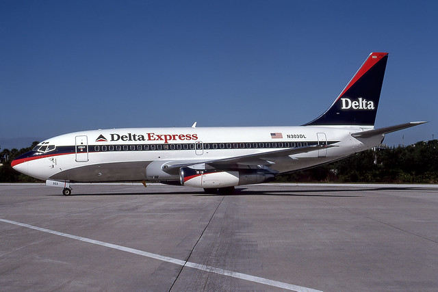 N303DL - Boeing 737-232A - Delta Express - KMCO - Oct 1997