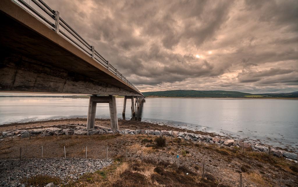 A bridge to the horizon.