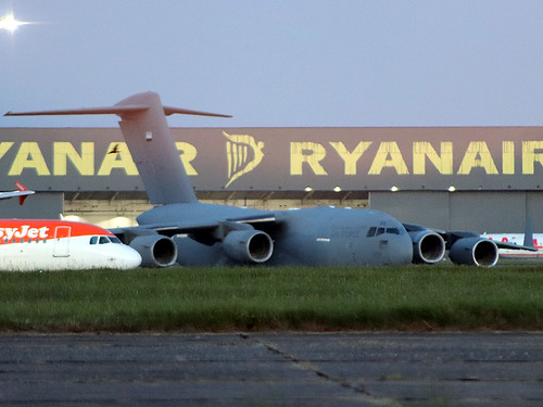 1228 C-17 Stansted 22-06-20