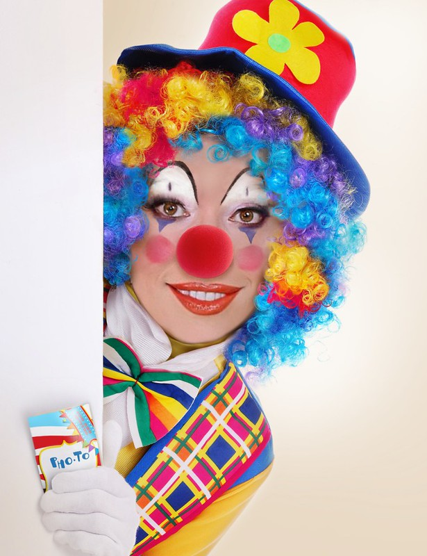 And people always say clowns are scary! Lol. x