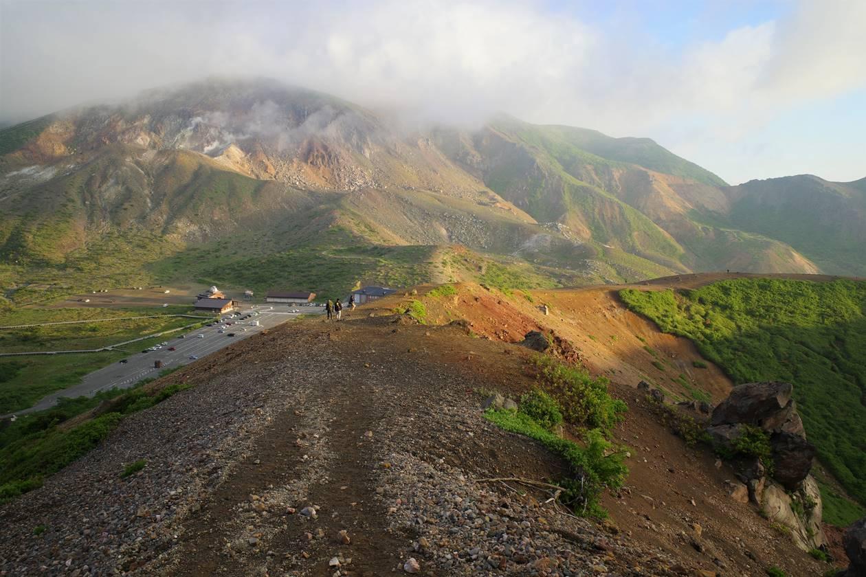 吾妻小富士のお鉢めぐりと一切経山登山