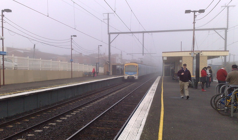 Bentleigh station in the fog (June 2010)