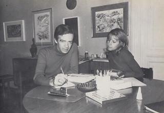 Peter Kolosimo,  conosciuto in occasione del Premio Bancarella 1969, con la moglie Caterina nella loro casa torinese (1970)