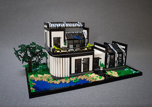 Wagtail House MOC. Front with tree.