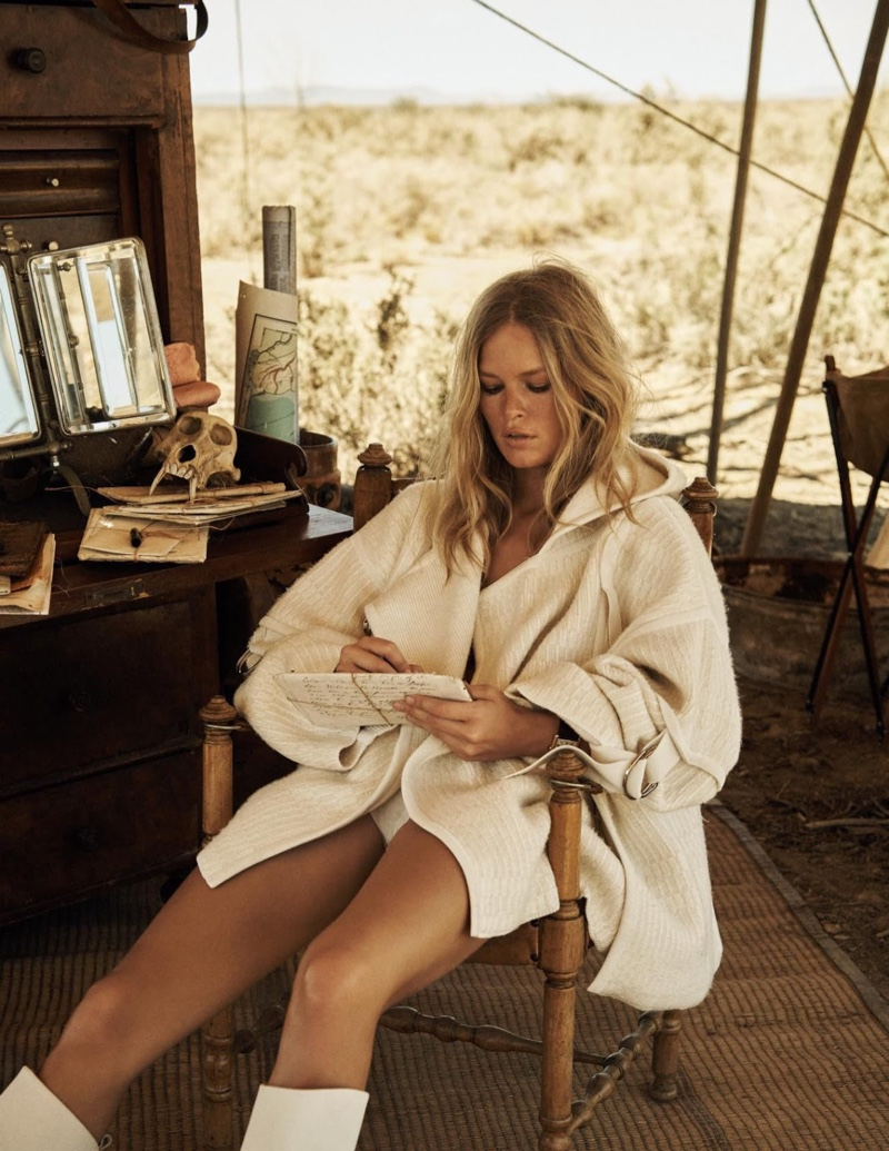 Anna-Ewers-Safari-Editorial11