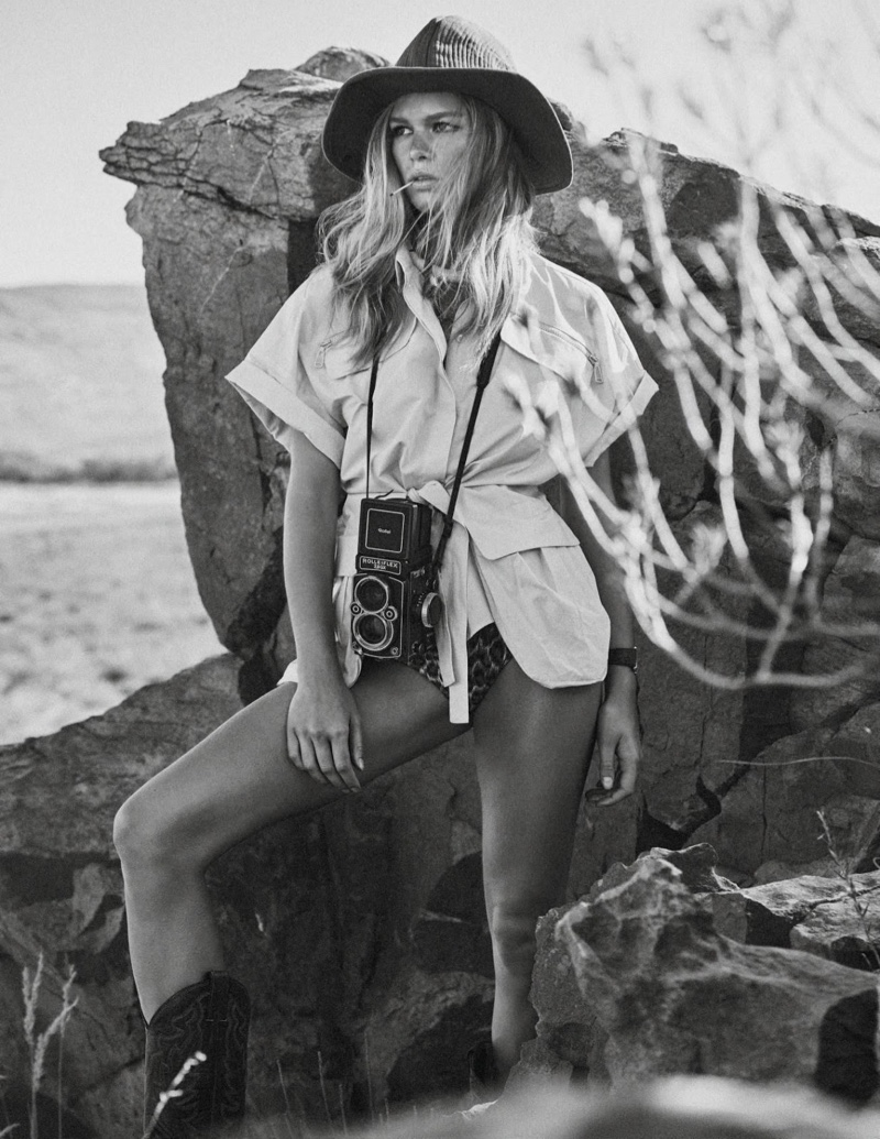Anna-Ewers-Safari-Editorial04
