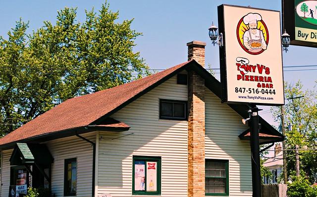 Tony V's Pizzeria - Cary, Illinois
