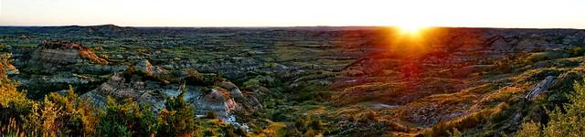 North Dakota - Medora - first summer sunrise over the Badlands2