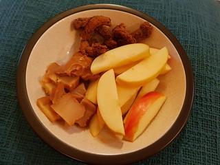 Snack - apple, speculoos, Miyoko's smoked, Querkee pepper jerky