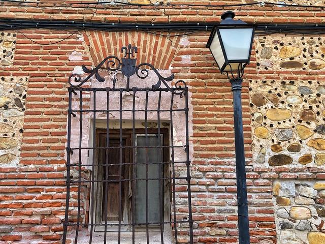 Ventana en La Cartuja (Talamanca del Jarama)