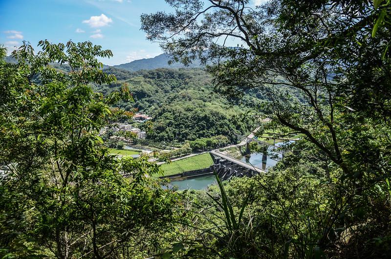 鯉魚潭(南片山)、枕頭山步道俯瞰鯉魚潭出水口