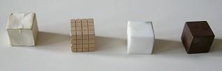 Cubi di materiali diversi