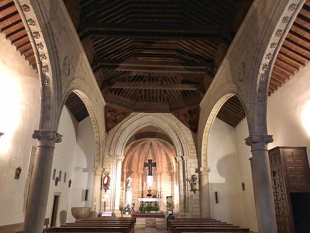 Interior de la iglesia de San Juan Bautista en Talamanca del Jarama (Madrid)