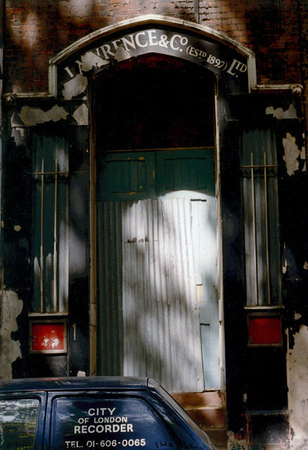 Doorway, Little Britain, City, 1986 TQ3281-001