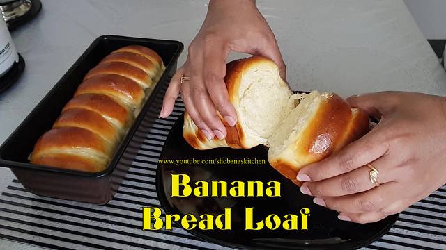 Soft & Fluffy Banana Bread Loaf / வாழைப்பழ பணிஸ் / Srilankan Tea Buns / Shobanas Kitchen