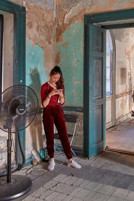 Bangkok – Girl at Customs House