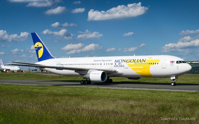 CDG   MIAT Mongolian Airlines Boeing 767-300   EI-FGN