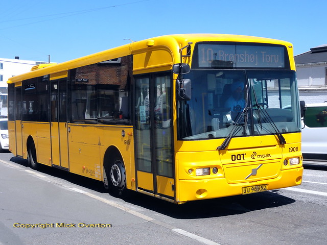 Currently the oldest bus on a MOVIA Copenhagen route contract - 2006 Volvo B7RLE ARRIVA 1906 route 10